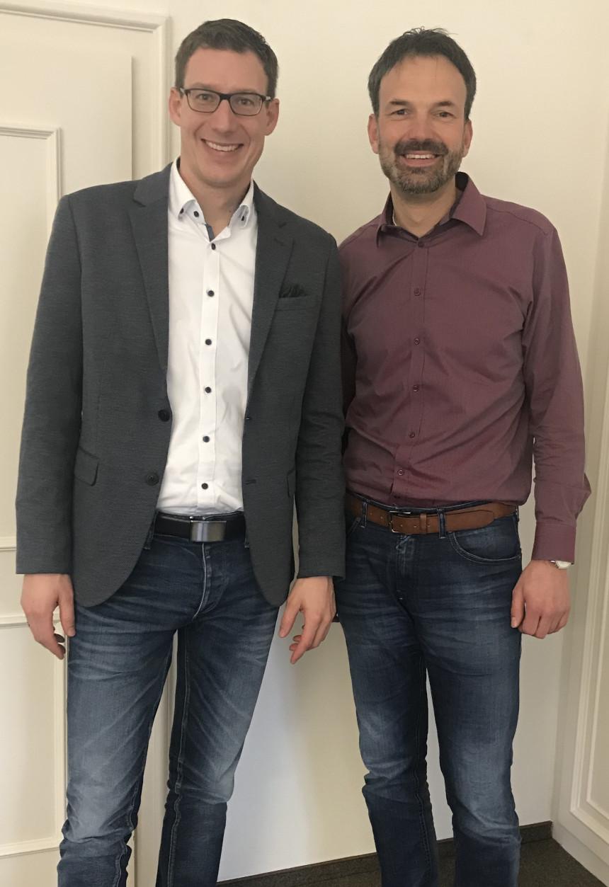 Bürgermeister Moll begrüßt den neuen Hauptamtsleiter Christoph Liebmann.