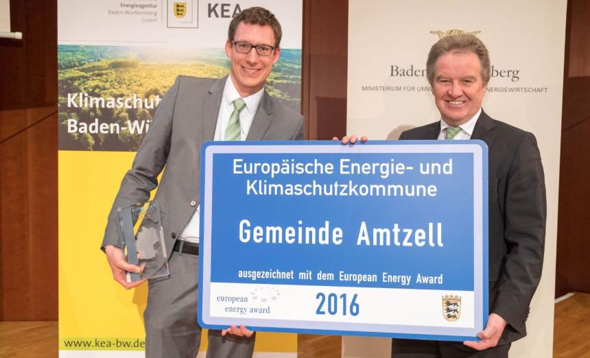 Verleihung des European Energy Award durch Umweltminister Franz Untersteller. Im Bild: Clemens Moll Und Hr. Untersteller